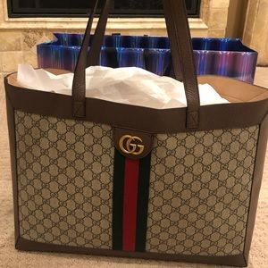 GUCCI OPHIDIA GG TOTE CARRIED ONCE!